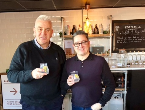 Your guides: Douglas Lamb and Wayne Russell - cheers!