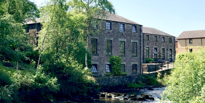 Riverbank Apartment - Sleeps 4, set in the historic town of Dunblane
