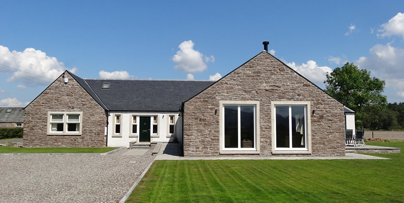 Tigh Mor - Sleeps 8, Free Wifi, Private Parking, Disabled Access